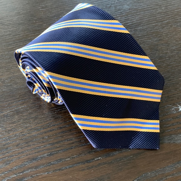 Brooks Brothers Other - Beautiful Brooks Brothers Stain Resistant Silk Tie